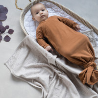 phil-phae_aw20_organic_essentials_knotted-baby-gown-hazel-baby-blanket-almond-milk-2.jpg
