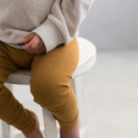 phil-phae_aw20_organic_teddy-sweater-straw_rib-leggings-golden-olive.jpg