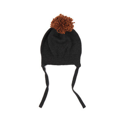 Pompon baby hat